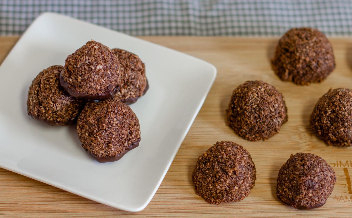 Mint Chocolate Macaroons